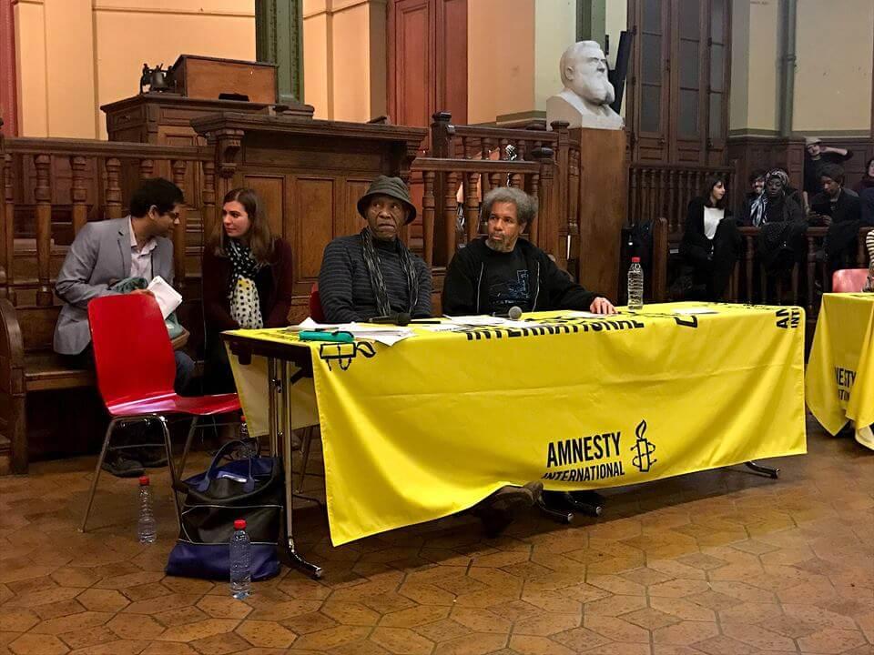 Albert Woodfox et Robert King à la Bourse du Travail, à Paris - Crédit Photo : Herbby Hancock/ByUs Media