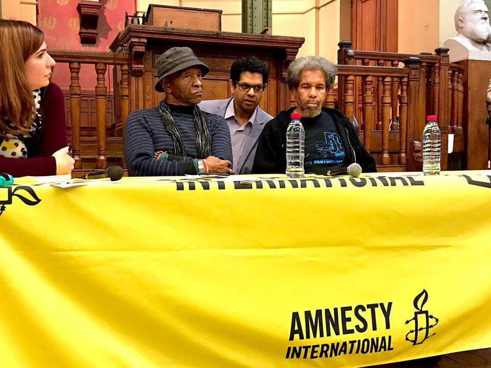 Albert Woodfox et Robert King à la Bourse du Travail, à Paris - Crédit Photo : Herbby Hancock/ByUs Media