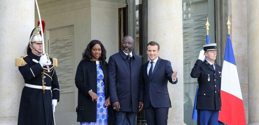 <a class=&quot;amazingslider-posttitle-link&quot; href=&quot;https://byusmedia.fr/george-weah-vient-chercher-de-laide-france/&quot;>George Weah vient chercher de l'aide en France</a>