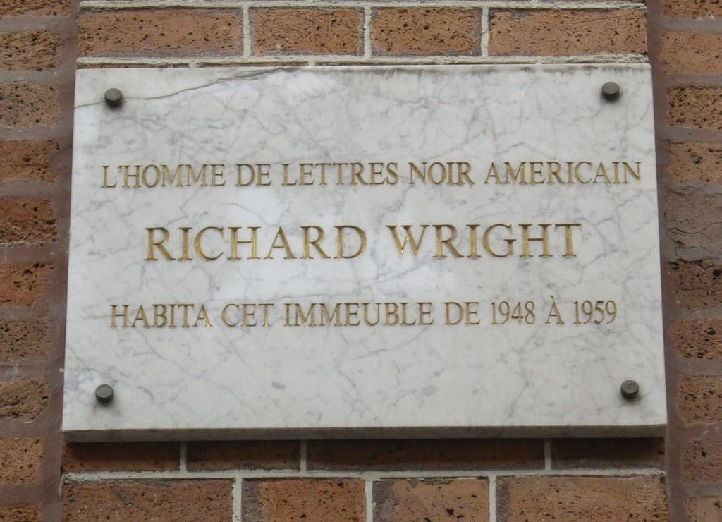 Une plaque commémorative
